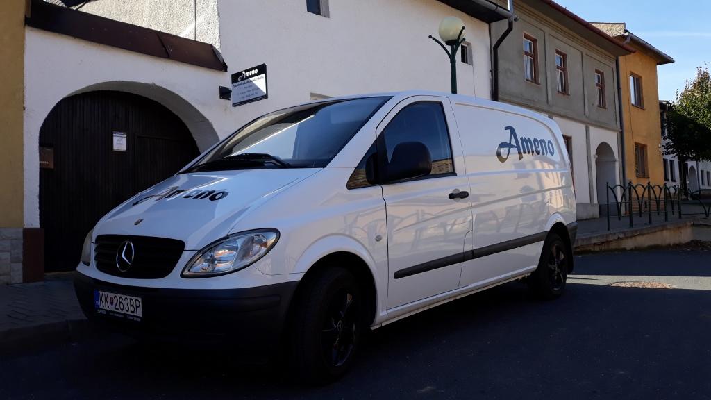 Naše pohrebné vozidlo Mercedes Benz